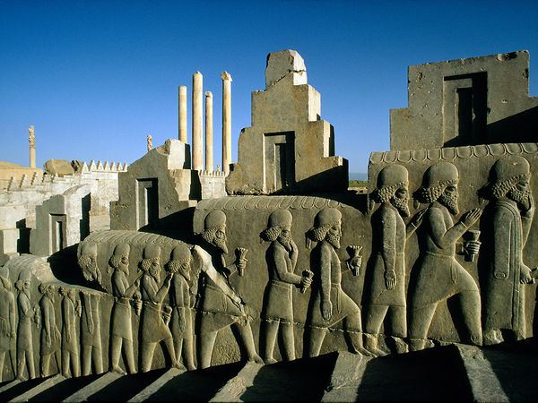 Cover-lost-city-persepolis-iran