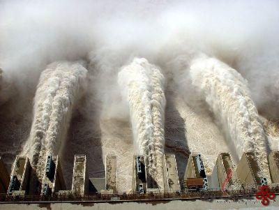 سد سه دره چین (1)