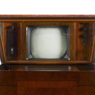عکس کاور قدیمی ترین تلویزیون