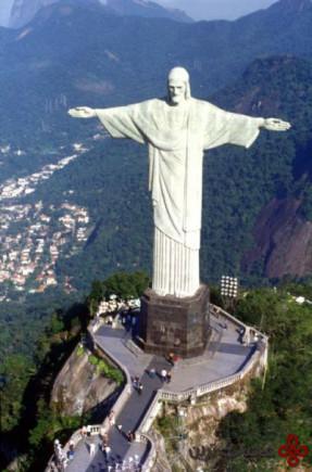 مجسمه حضرت عیسی مسیح