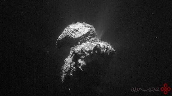نمایی نزدیک از یک ستاره دنبالهدار