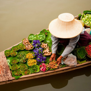 cover bangkok floating market