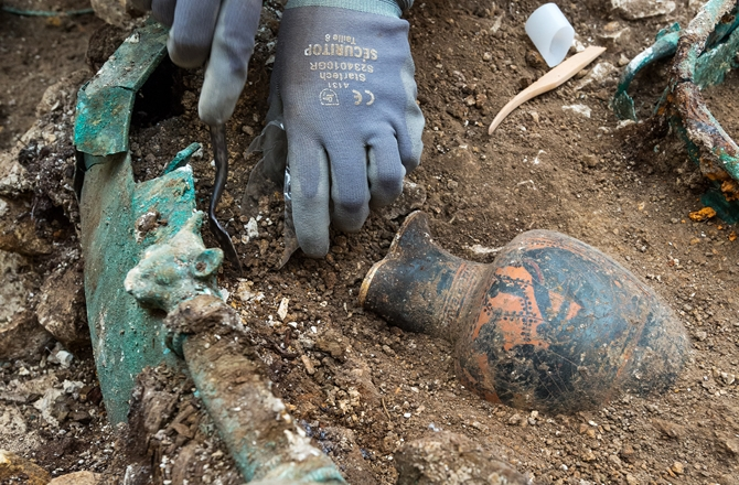cover-top-2015-archaeology-finds
