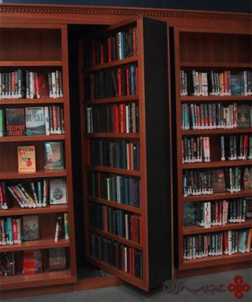 hidden-door-library-shelf