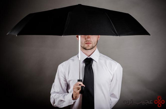 باز کردن چتر داخل خانه