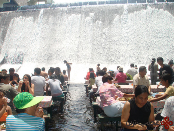 waterfall restaurant (2)