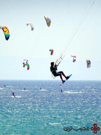 موج سواری با کایت در تریفا، اسپانیا