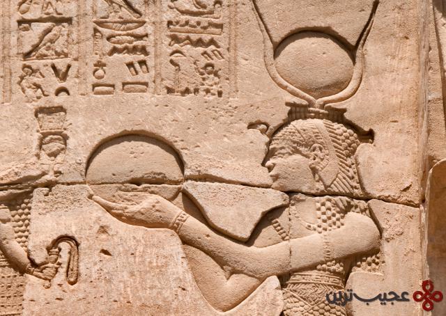 160118 em richestwomen cleopatra