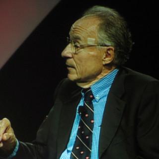 عکس کاور تولد آرنو الن پنزیاس فیزیکدان و رادیو اخترشناس آمریکایی