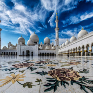کاور ۱۰ جاذبه ارزشمند دنیای اسلام