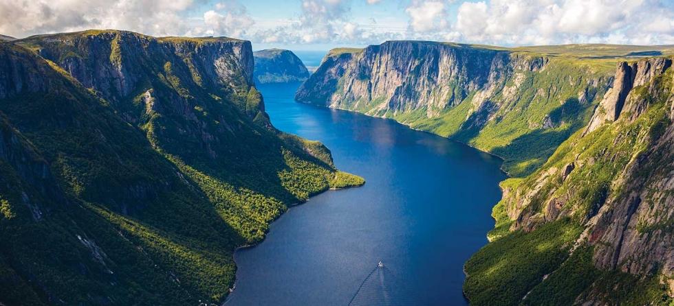 کاور ۱۰ جزیرهٔ زیبا در اقیانوس اطلس!