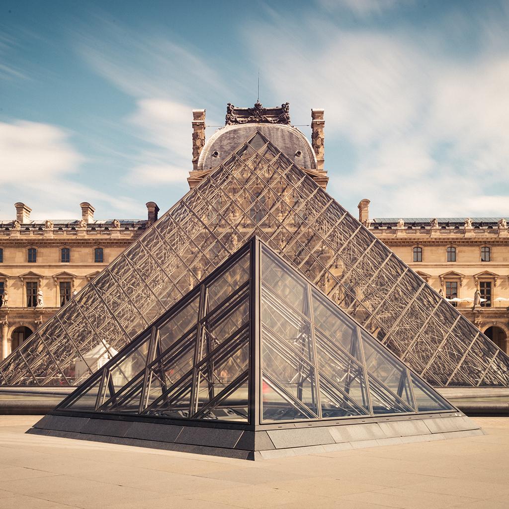 کاور ۱۰ راز دربارهٔ موزهٔ لوور، پر بازدیدترین موزهٔ جهان!
