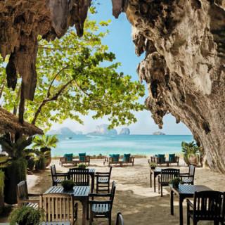 کاور ۱۰ مکان رؤیایی برای تعطیلاتی رمانتیک