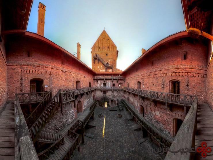 10 قلعهٔ جزیرهٔ تِراکای (trakai castle)، لیتوانی2