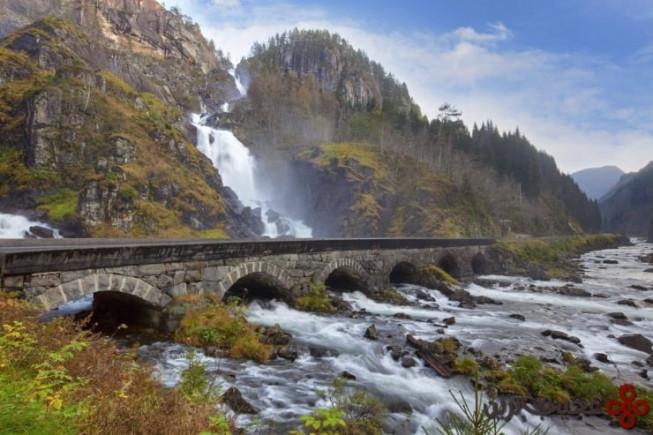 آبشار لوتتِفوسن (låtefossen)، نروژ