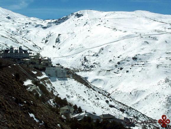 اسکی و آفتاب گرفتن در یک مکان