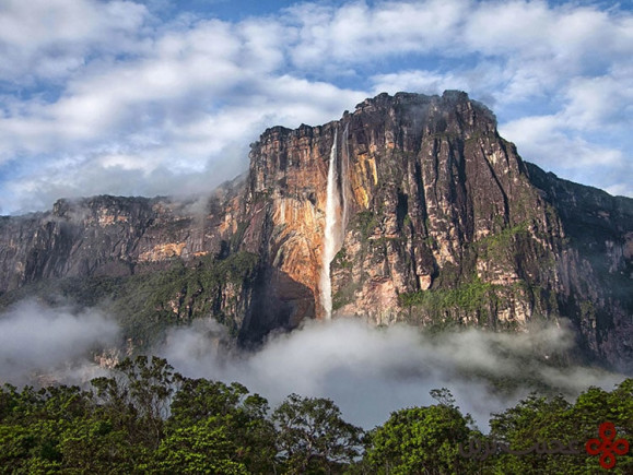 بالا (up)، آبشار انجل، ونزوئلا