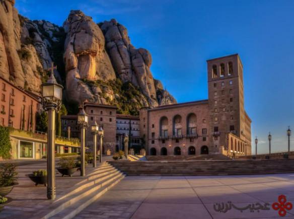 بنای یادبود santa maria de montserrat، اسپانیا
