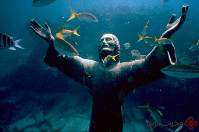 تندیس christ of the abyss