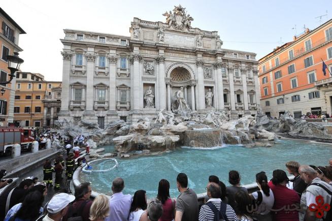 فوارهی تروی (trevi) در شهر رم