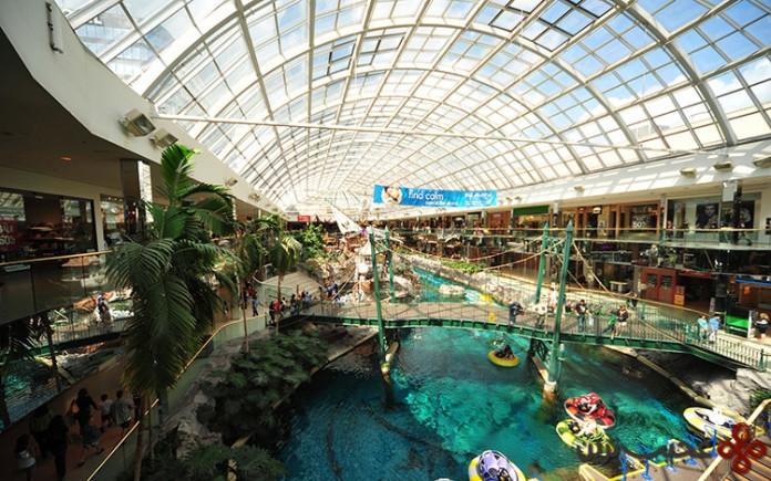مرکز خرید وست ادمونتون (۳۵۰،۲۴۴ متر مربع)