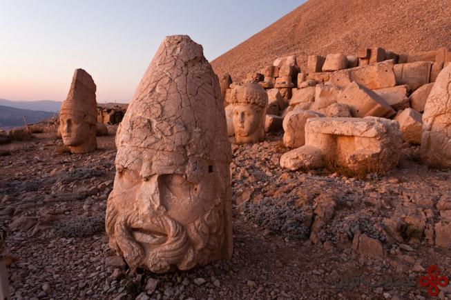 کوه نمرود (Mount Nemrut)
