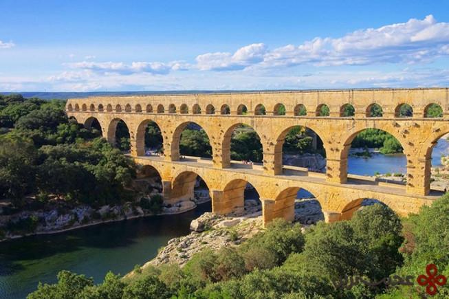 gard, france – pont du gard aqueduct