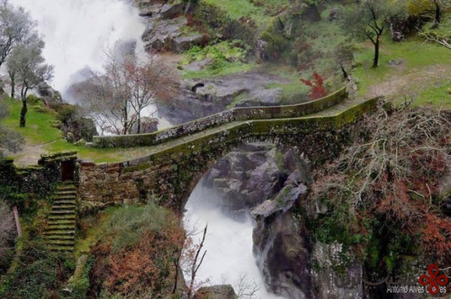 misarela bridge, gerês, portugal2