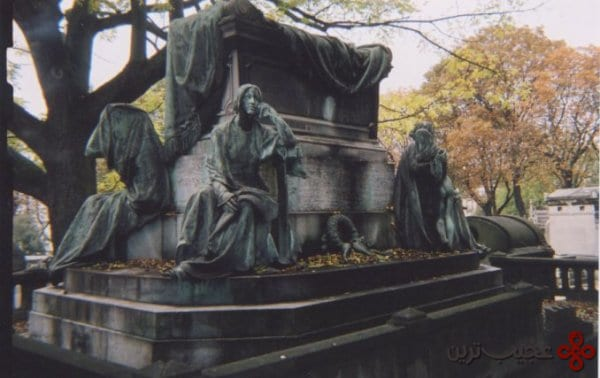pere lachaise paris france