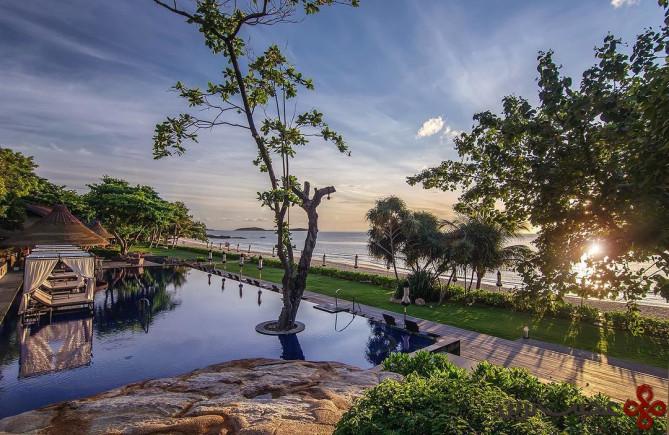 vana belle resort, thailand