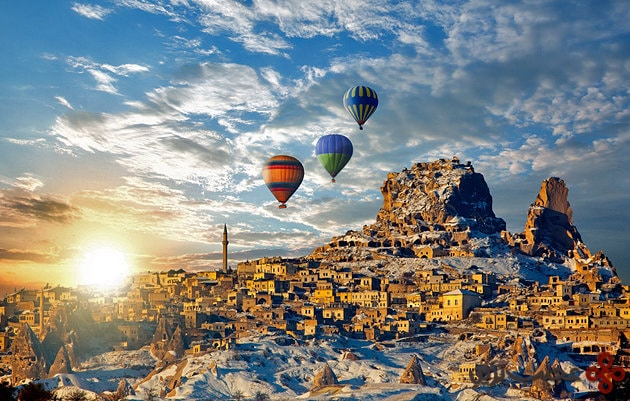 turkey hot air ballooning over uchisar village cappadocia
