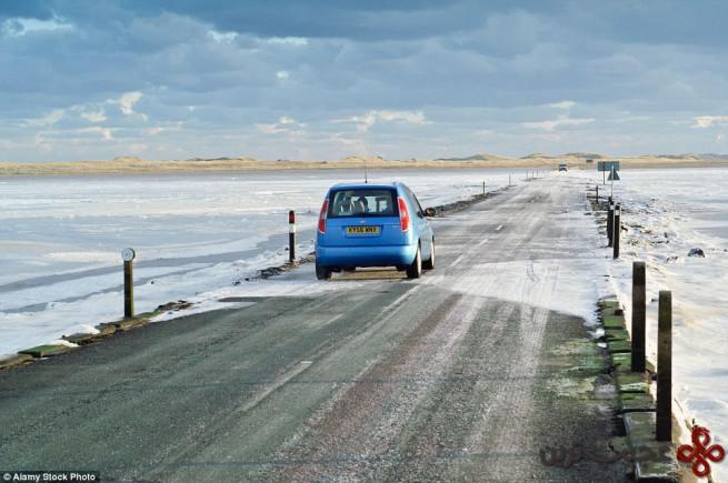 جاده جزومدی جزیره مقدس لیندسفارن؛ نورث امبریا (the tidal causeway road lindisfarne)