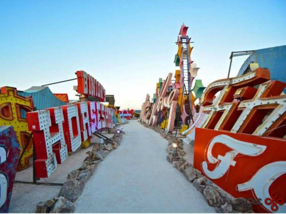 موزه تابلوی نئون، لاس وگاس، نوادا (the neon sign museum, las vegas, nevada)