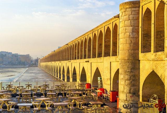 allāhverdi khan bridge (si o seh pol)
