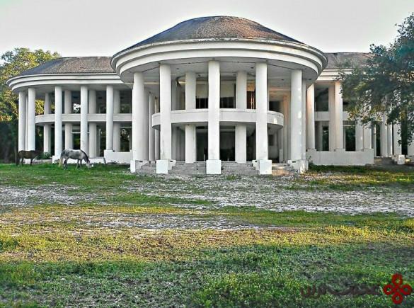 the mafia mansion