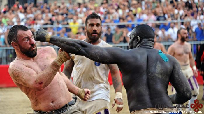 فوتبال همراه با کتککاری در ایتالیا