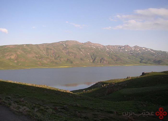 دریاچهٔ نئور