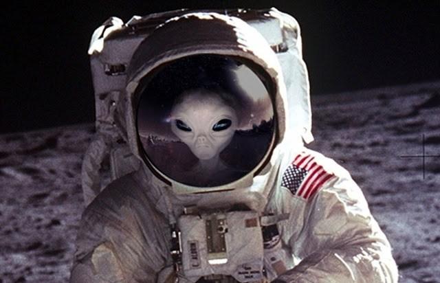 عکس کاور آدم فضایی