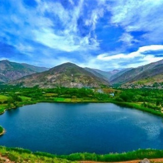 عکس کاور ۱۲ دریاچهٔ زیبا و شگفتانگیز ایران