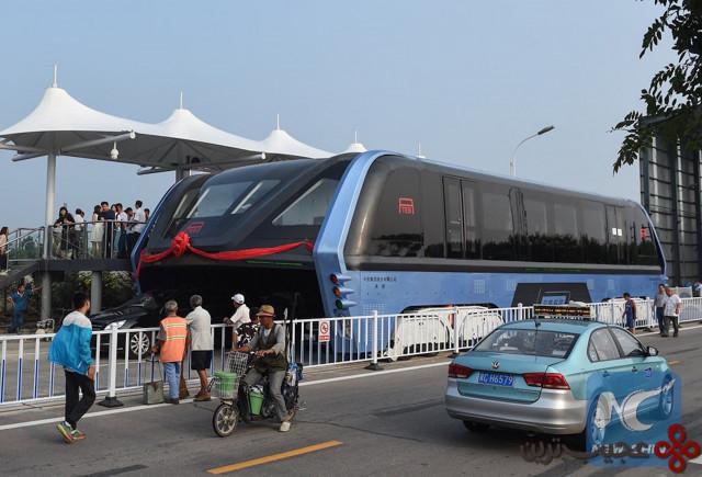 اتوبوس روگذر چین