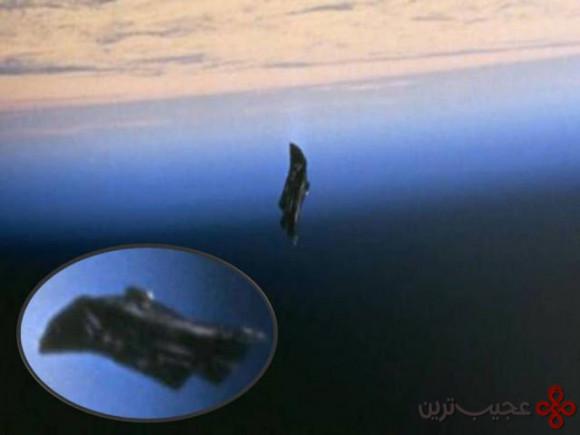 ۸ ماهواره شوالیه سیاه، که منبع و هدف آن ناشناس است، قبل از اختراع ماهواره توسط انسان، در آسمان مشاهده شد